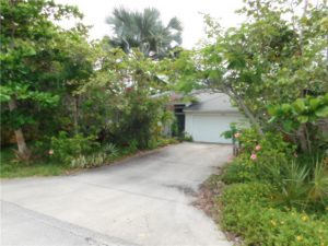 2065 5th Ct SE, Vero Beach, FL 32962